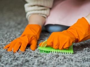 اسپری لکه بر فرش